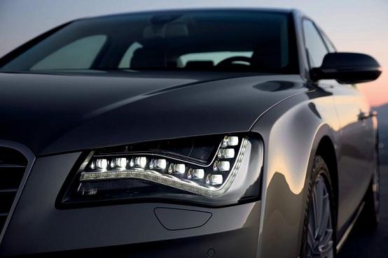 Audi A8, nuovo spot contro Mercedes Classe S