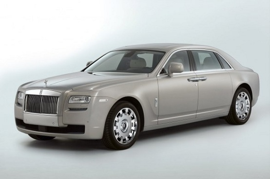Video: Rolls-Royce Ghost a passo lungo