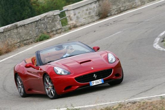 Ferrari è la casa che sta facendo più progressi per ridurre le emissioni di CO2