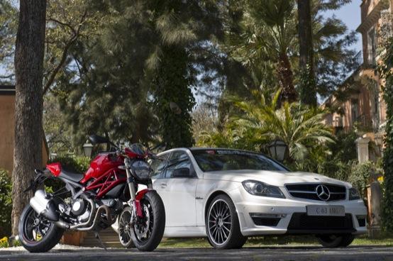 Mercedes C63 AMG, presentazione insieme alla Ducati Monster 1100 EVO