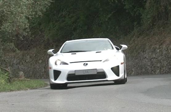 Lexus LFA, la supercar definitiva secondo Toyota