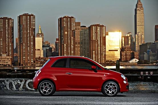 La nuova Fiat 500 compie 4 anni, festeggiamenti in giro per il mondo