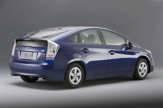 Toyota Prius, nel 2014 arriverà anche il modello coupé