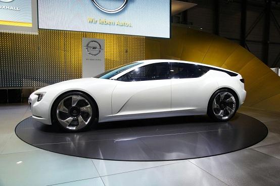 Opel: in arrivo un modello ibrido/elettrico di grandi dimensioni