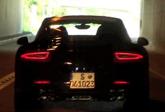 Porsche, la nuova 911 si svela in questo video-spia