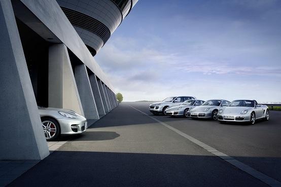 Porsche Panamera: nel 2012 sarà prodotta la versione LWB