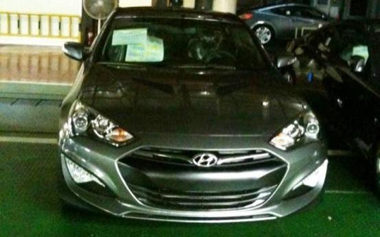 Hyundai Genesis, prima foto senza camuffamento del model year 2012?