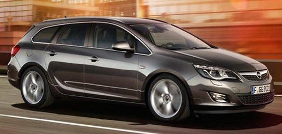Opel Astra Sports Tourer: l'offerta di agosto