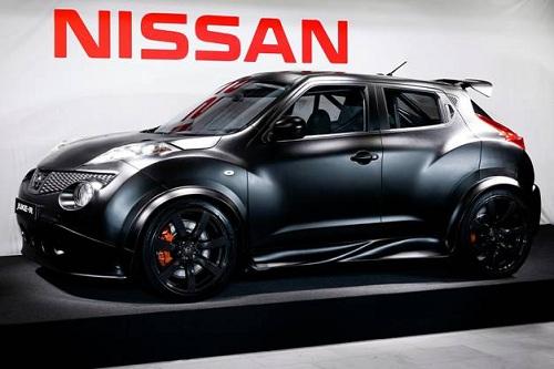 Nissan, ecco Juke-R: il SUV sportivo che profuma di GT-R