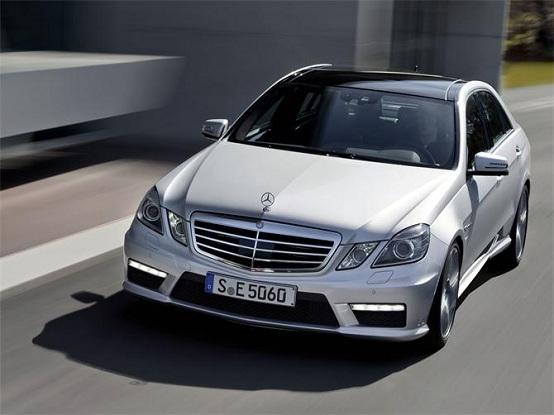 Mercedes Classe E, in arrivo una versione ultra-leggera in fibra di carbonio