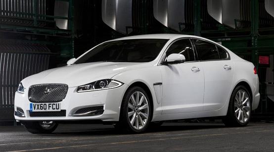 Jaguar: prima la trazione integrale, poi l'ibrido