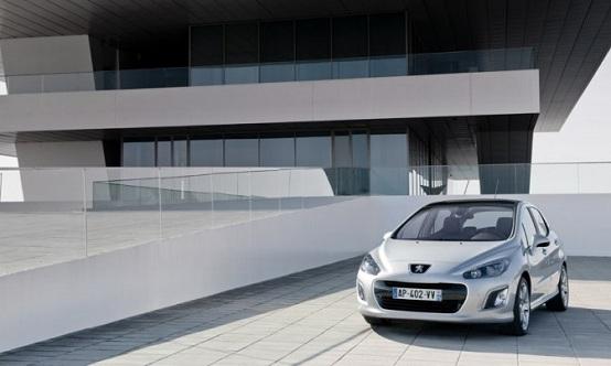 Peugeot, la nuova media di segmento C si chiamerà 301