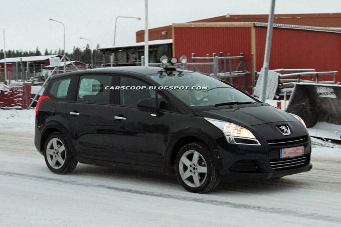 Prototipo Peugeot 5008 - Foto spia 08-12-2011
