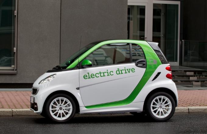 smart fortwo electric drive: A primavera del 2012 la terza generazione