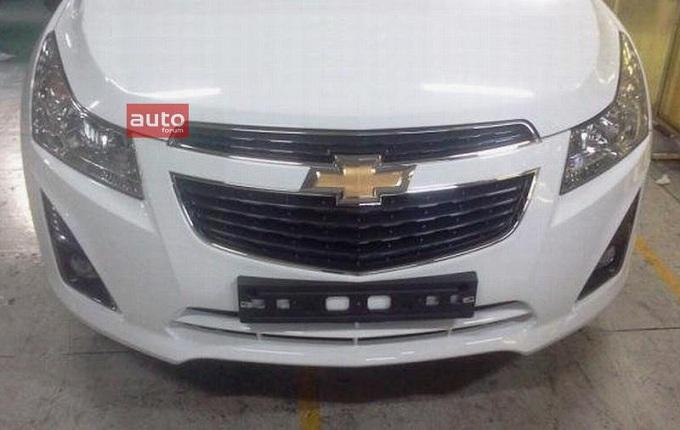 Chevrolet Cruze restyling: ecco come sarà il frontale della vettura