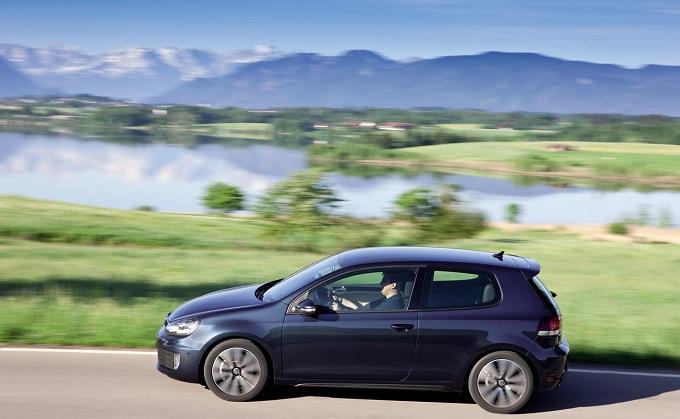 Volkswagen Golf VII, la nuova generazione al Salone di Parigi 2012