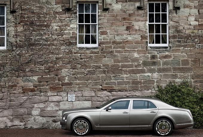Bentley, il SUV in anteprima al Salone di Ginevra 2012?