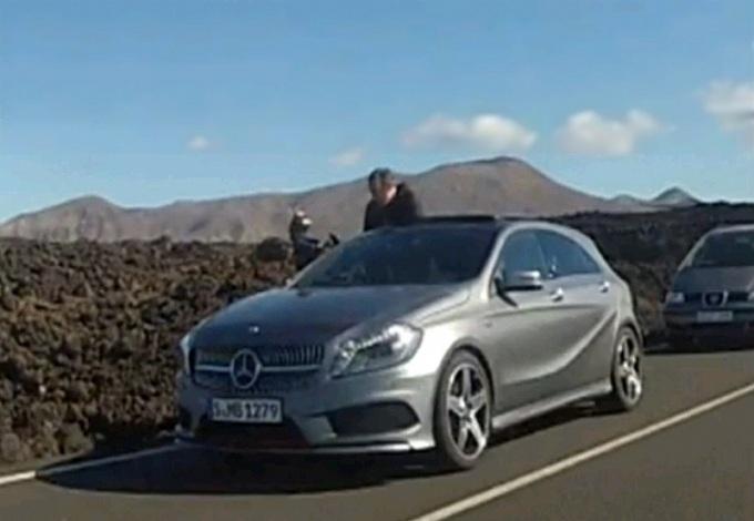 Mercedes Classe A, immagine senza veli della nuova media