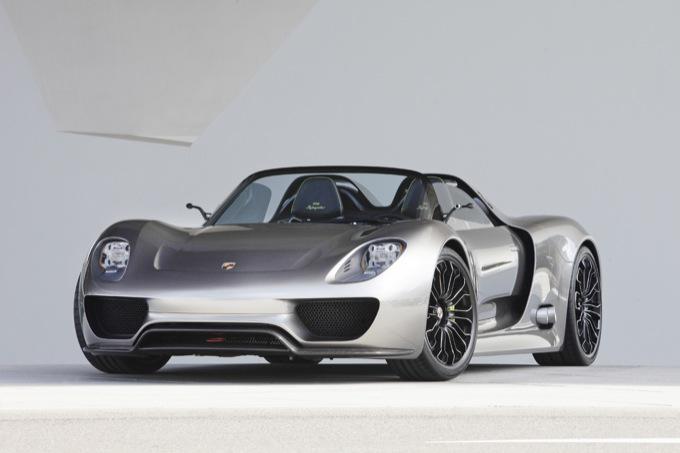 Porsche 918 Spyder, svelate le caratteristiche ufficiali della prossima supercar