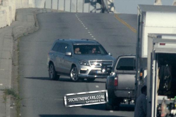 Mercedes GL 2012 foto spia senza veli