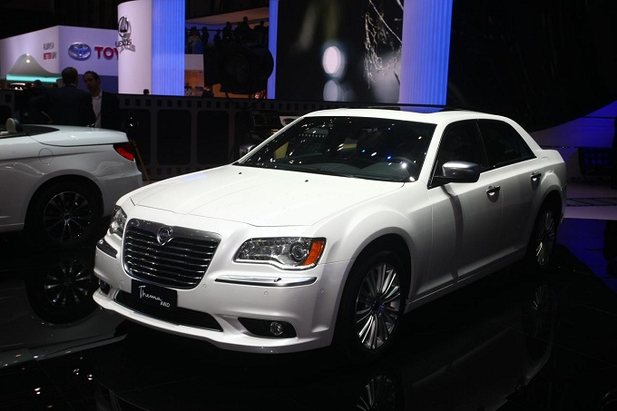 http://www.motorionline.com/wp-content/uploads/2012/03/lancia-thema-awd-salone-di-ginevra-2012-2.jpg