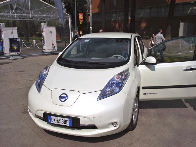Nissan Leaf, con il Tour ufficiale parte la commercializzazione in Italia