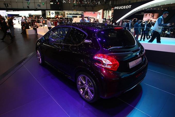 Peugeot 208 XY Concept al Salone di Ginevra 2012