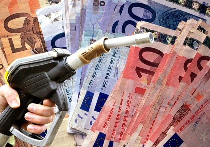 Benzina: aumento record annuale del 20,8%, ma iniziano anche i ribassi