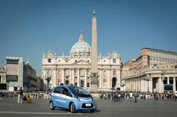 Citroën C-Zero Polizia, a Pasqua la sicurezza al Vaticano sarà a impatto zero