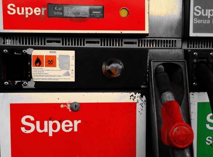 Benzina: nuovo record a 1,918 euro al litro