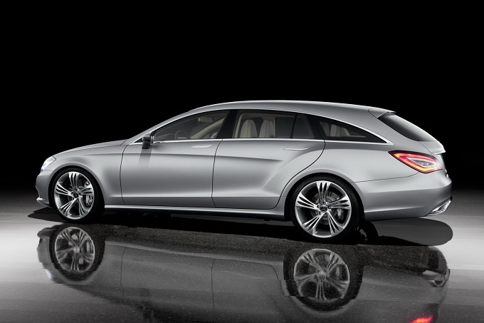 Mercedes CLS Shooting Brake, sarà presentata tra un mese