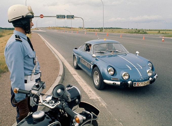 Alpine ZAR, si chiamerà così la concept car celebrativa?