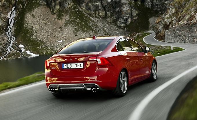 Volvo C90, in arrivo una coupé Premium?
