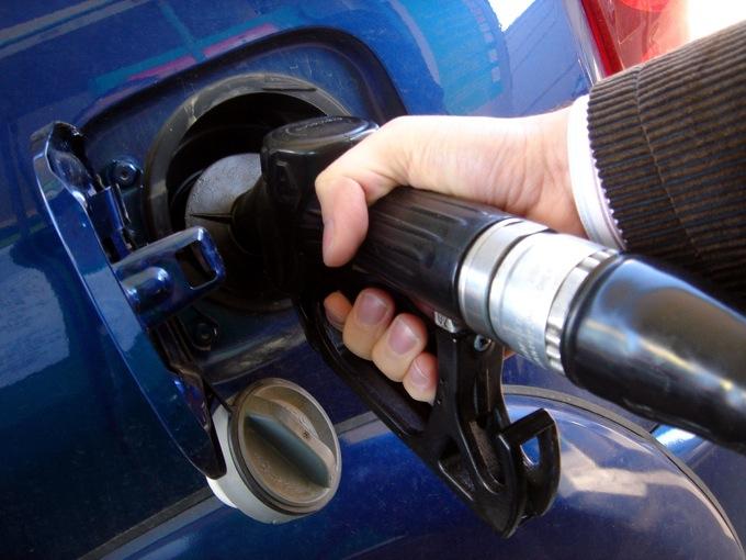Terremoto Emilia: scattano le accise, ma il prezzo della benzina non cambia
