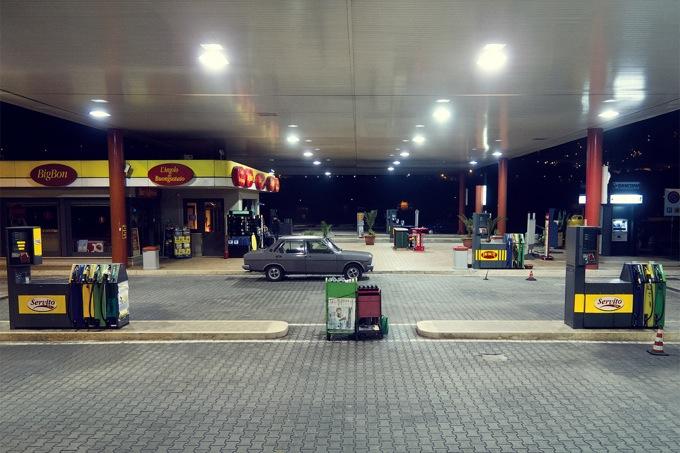 Caro Benzina: Eni sconta di 20 cent fino a settembre, ma i concorrenti insorgono