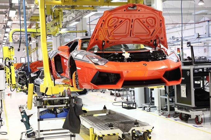Lamborghini Aventador, il terremoto potrebbe rallentare la produzione