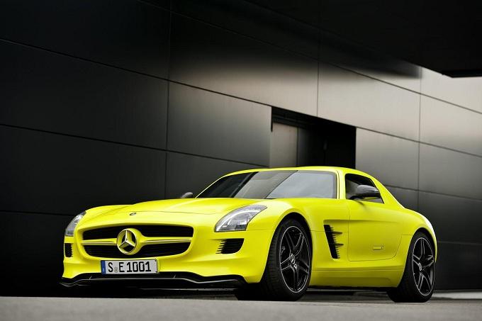 Mercedes SLS AMG E-Cell, potrebbe essere proposta in versione Roadster