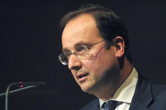 Hollande taglia le auto blu in Francia, ma purtroppo è una bufala di Facebook
