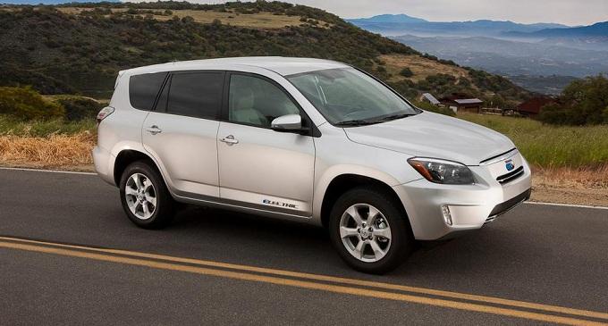 Toyota Rav4 EV, nuove informazioni sul SUV elettrico nipponico