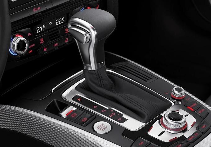 Audi, il cambio S Tronic proposto per nuove versioni di A4 e A5