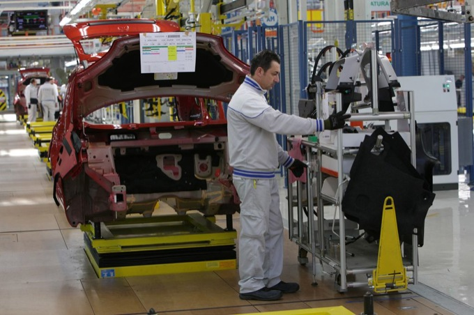 Crisi mercato: Fiat di Pomigliano si ferma a settembre e ottobre
