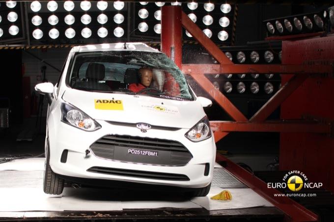 Sicurezza: Ford B-Max si aggiudica le 5 stelle Euro NCAP
