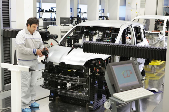 Fabbrica Italia: Fiat assediata dalle polemiche