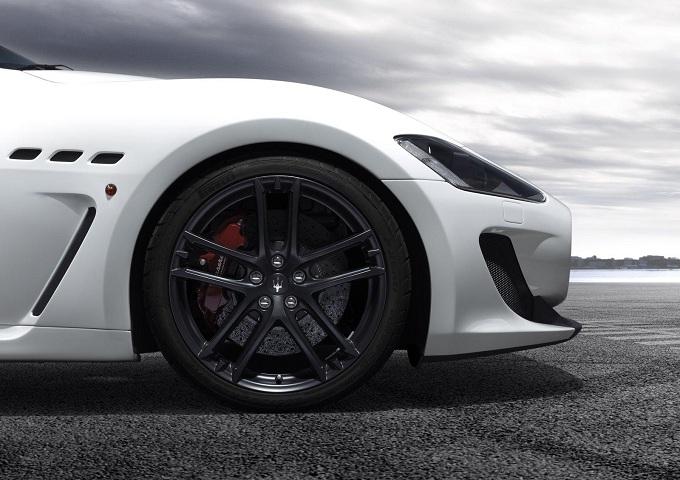 Maserati, la novità di Parigi è la nuova GranCabrio MC Stradale?