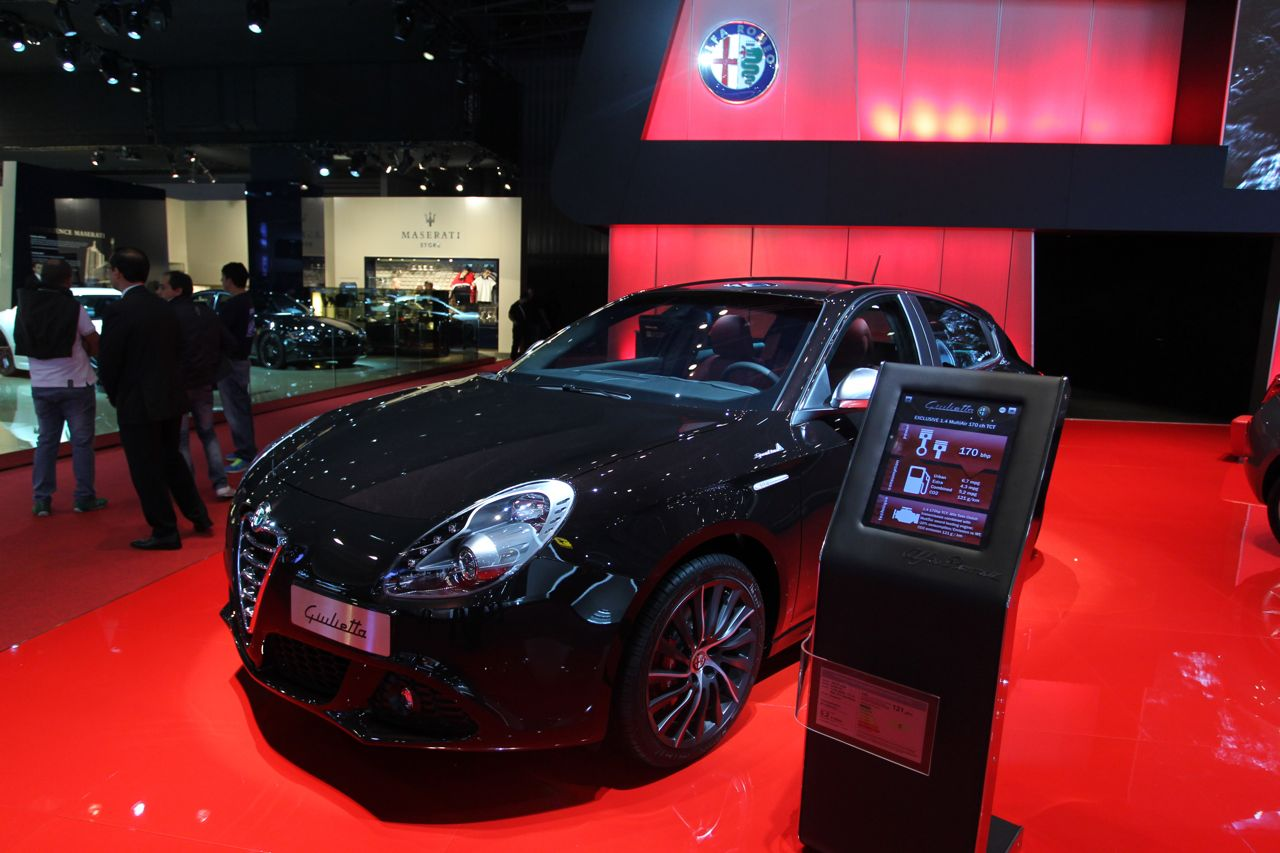alfa romeo giulietta sportiva e pack collezione foto live. Black Bedroom Furniture Sets. Home Design Ideas