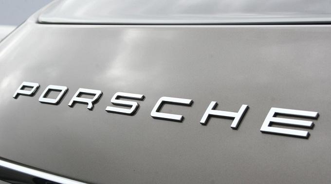 Porsche conferma il debutto di un inedito modello al Salone di Parigi 2012