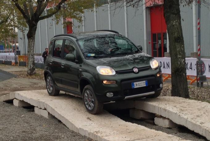 Fiat Panda 4×4, esperienza off-road al Motor Show 2012