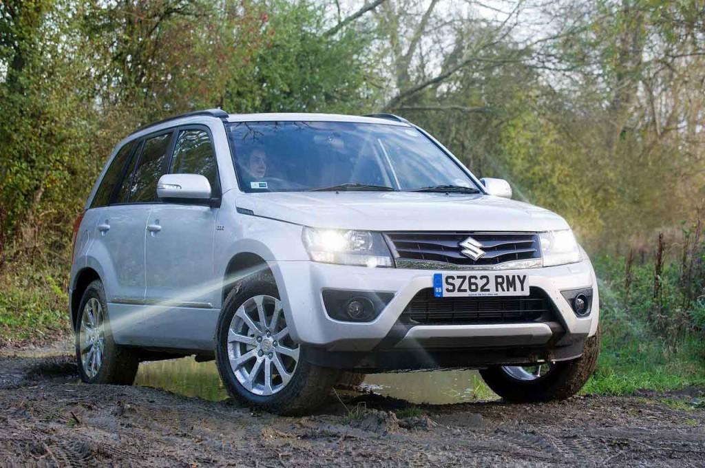 Suzuki Grand Vitara 2013: forme armoniose e meno ordinarie