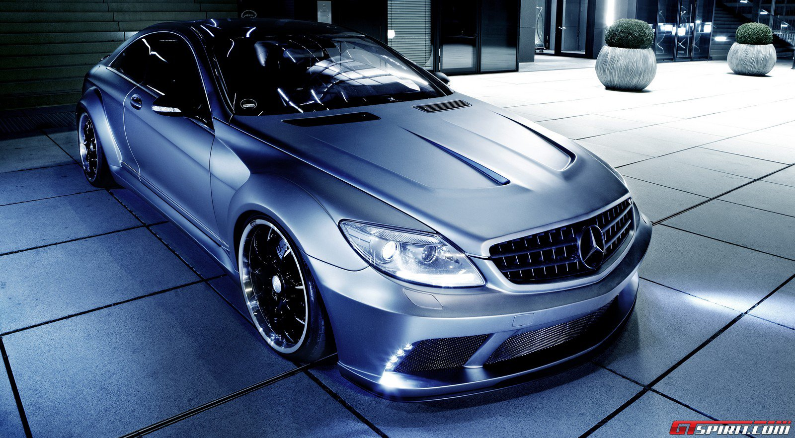 Mercedes cl63 amg tuning rivitalizzante by famous parts for Mercedes benz official parts