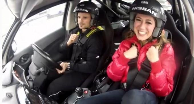 Virginia Raffaele in pista con Nissan Juke-R e Tonio Liuzzi al Motor Show di Bologna